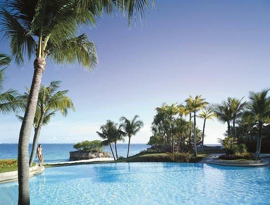 Shangri-La's Mactan Resort & Spa: Ocean Wing Pool
