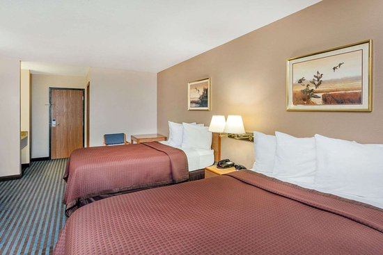 Days Inn by Wyndham Charleston: Guest room