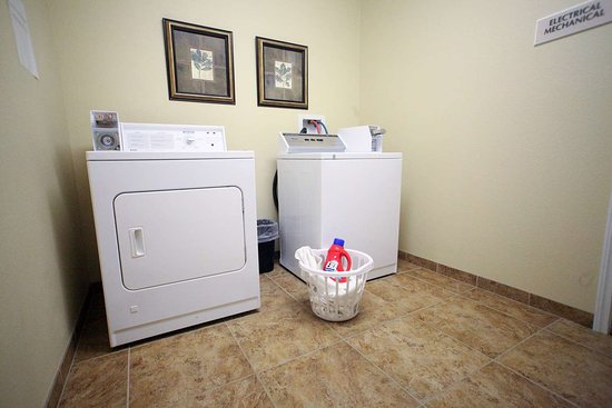Perham, MN: Guest Laundry
