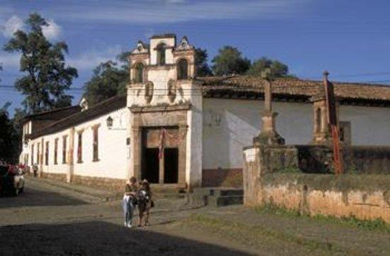 Best Western Plus Posada De Don Vasco: Antiguo Colegio San Nicolas Obispo