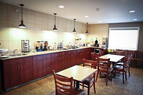 Perham, MN: GrandStart Breakfast Buffet