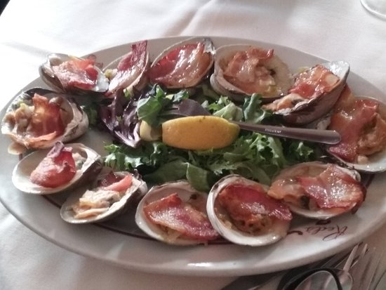 West Coxsackie, NY: Clams Casino