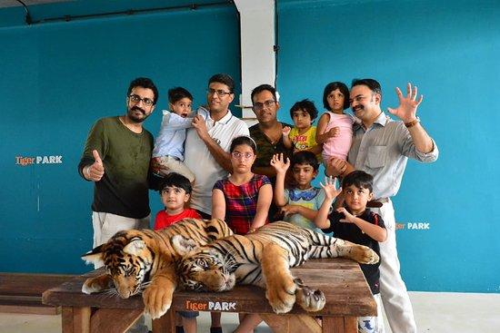Tiger Park Pattaya: group or single. its fun