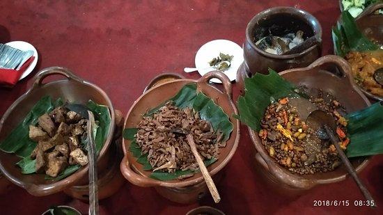 Hotel New Saphir Yogyakarta: So tempting