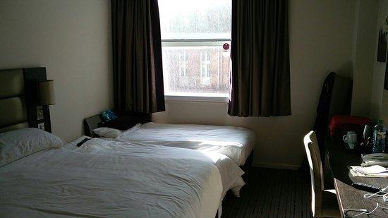 Premier Inn Manchester Central Hotel: IMG_20180430_175539_large.jpg