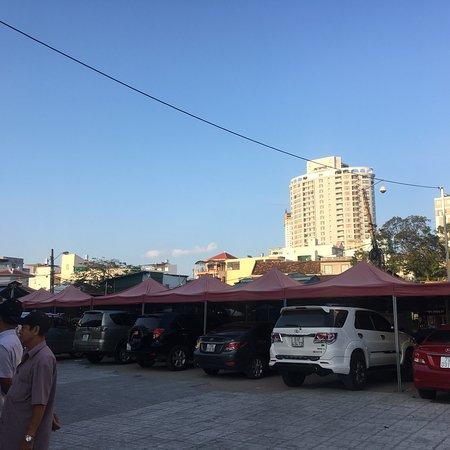大坝市场照片