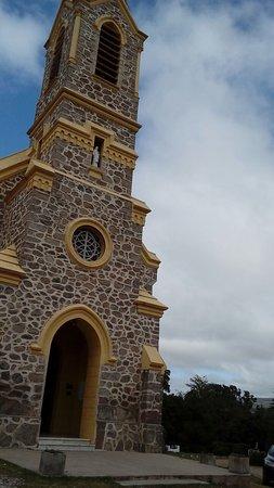 antigua iglesia y convento atrás de Ascochinga visitados por familia Kennedy