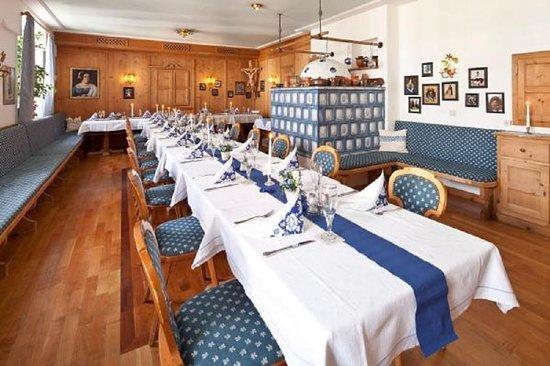 Brauerei-Gasthof Hotel Post: Unsere Blaue Stube mit Hochzeitsdekoration