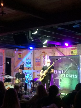 Eliot Lewis at Daryls House Club