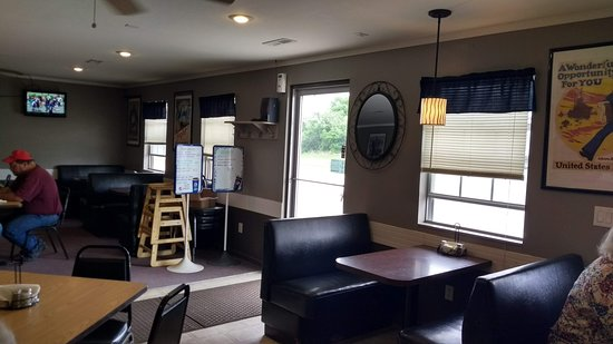 The Silver Anchor: Dining Room