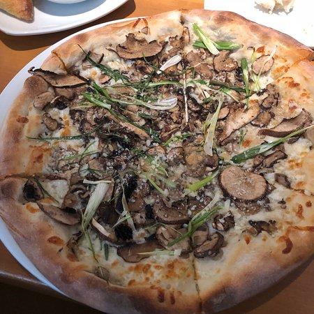 California Pizza Kitchen Milwaukee Restaurant Reviews