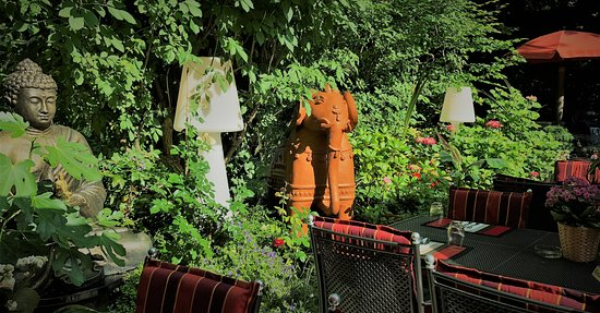 Erholsame Stunden Im Gemutlichen Buddha Garten Picture Of Winit S