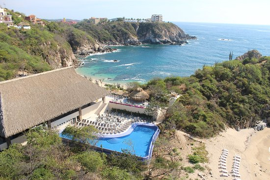 Isla Natura Beach Huatulco: Vista aérea del hotel