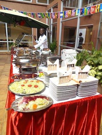 Entebbe Flight Motel: Hunters Buffet