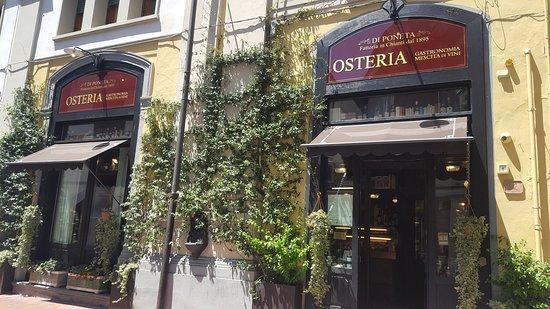 Osteria Di Poneta - Montecatini: All'ingresso il profumo del Gelsomino