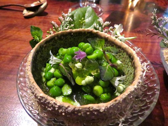 Atelier Crenn: English pea and mint