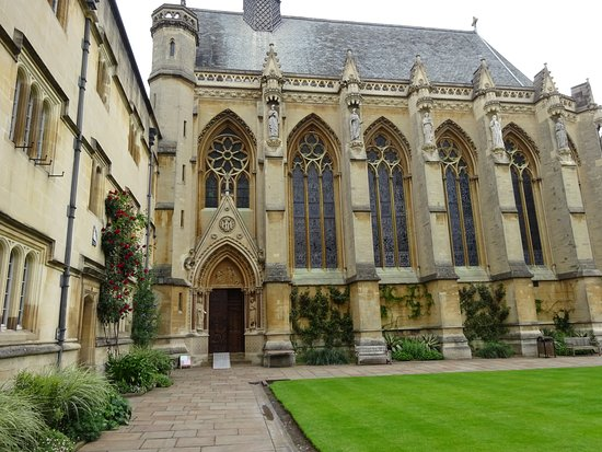 'Inspector Morse' Filming Locations Tour in Oxford with College Visits: Exeter college