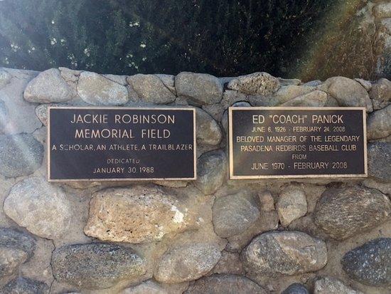 Pasadena, Kalifornien: Memorial Plaques