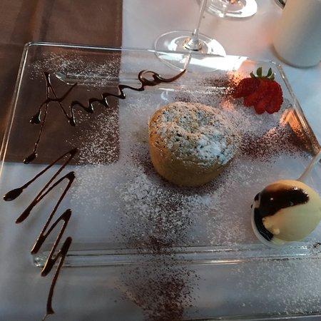 Villa San Carlo Hotel: Una torta alle nocciole eccezionale. Fatta sul momento