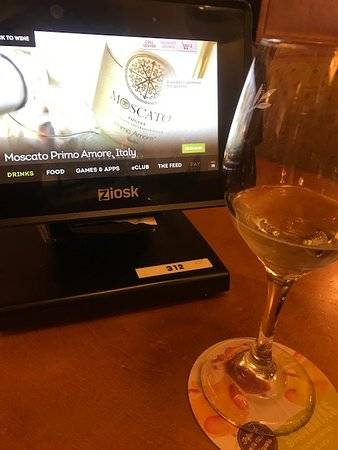 Olive Garden: These are the 3 free wines I had. Free after 4:00pm
