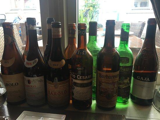 Pergola mat og vinbar: Bottles