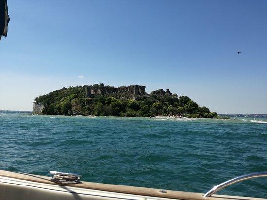 Tour of the Sirmione Peninsula: natura e arte