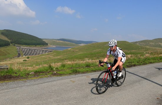 Crys Melyn Cycling: Epic climbs and breathtaking descents in the Cambrian mountains of mid Wales