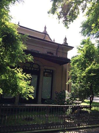 Giardini Pubblici Indro Montanelli: Uma escola no parque