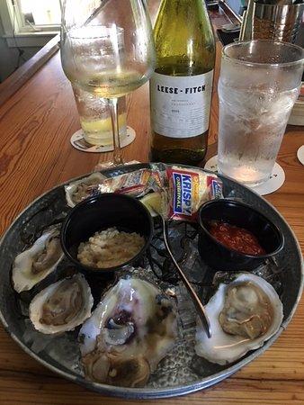 Port Royal, Carolina del Sur: Half dozen oysters