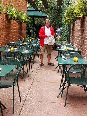 Фотография Landmark Cafe