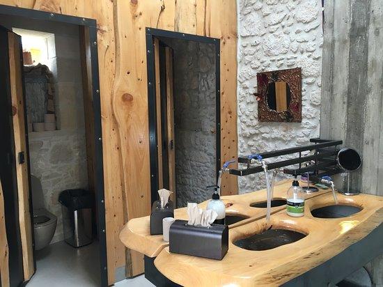Grambousa Restaurant: Toilette!