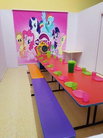 Kidzmania Indoor Playcentre: Party Room