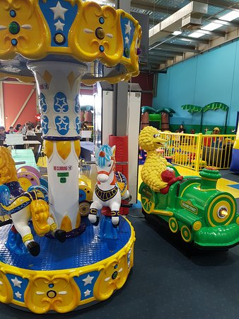 Kidzmania Indoor Playcentre: Rides - these you need to pay for