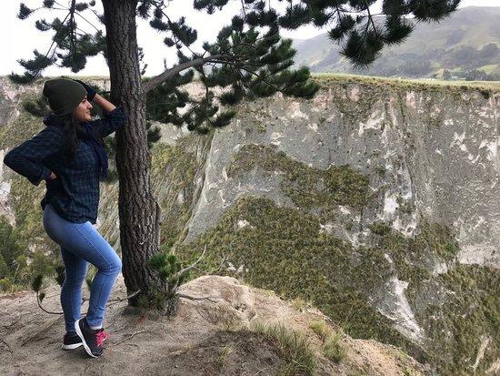 Pujili, Ecuador: otra vista entre el bosque y el abismo