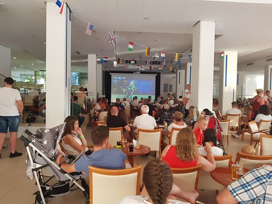 Ola Hotel Maioris: Main Bar during World Cup