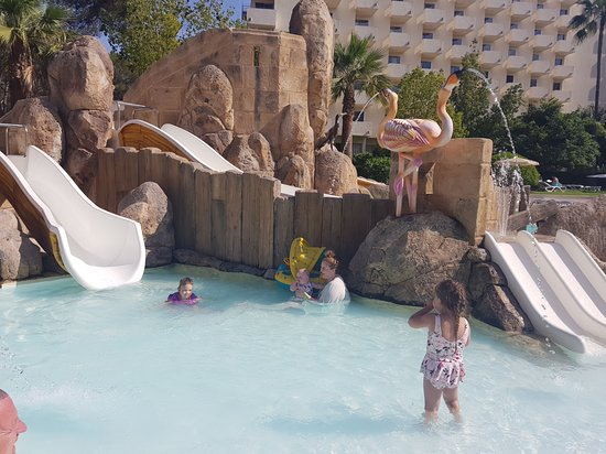 Ola Hotel Maioris: Kids pool with water slides