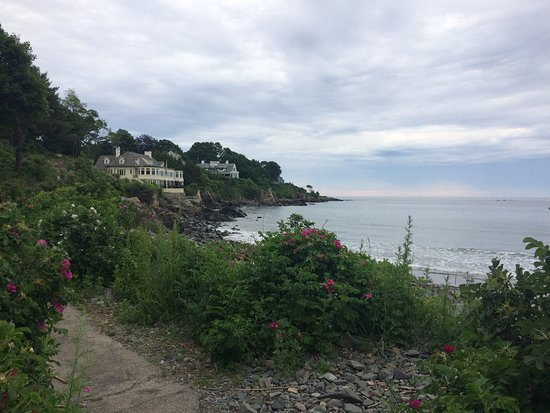 York Harbor, ME: Cliff Walk