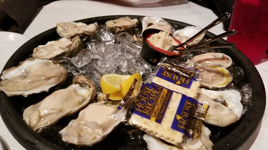 Oceana Grill: oysters were alright.