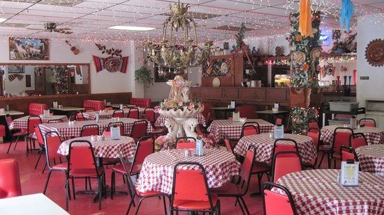 Hondo, TX: Azteca Restaurant - Main Dining Hall
