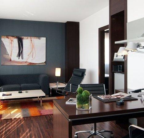 AC Hotel Alicante: Guest room