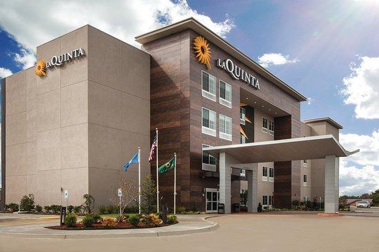 Columbus, MS: Exterior