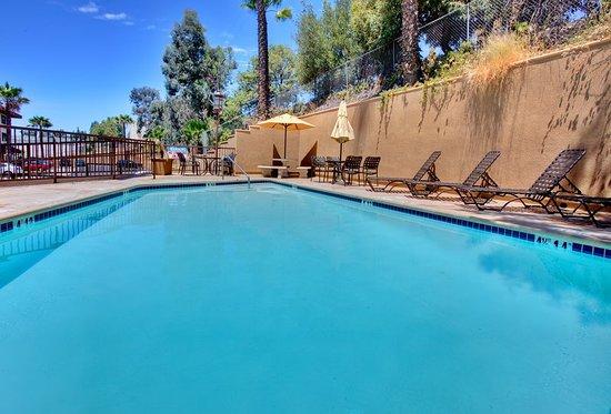 holiday inn san diego la mesa updated 2018 prices. Black Bedroom Furniture Sets. Home Design Ideas