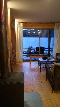 Cabanas Borgolafquen: Calidez junto al lago