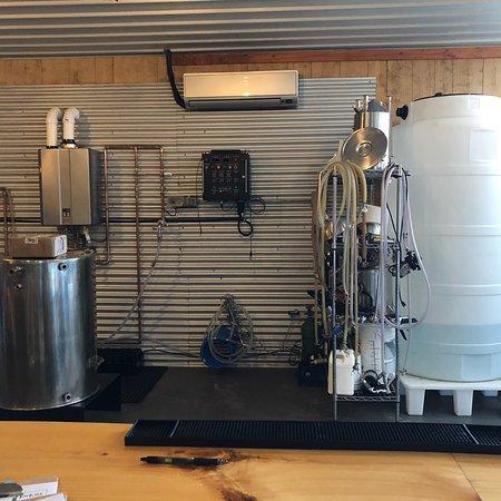 Leesburg, IN: Hop Lore Brewing Company