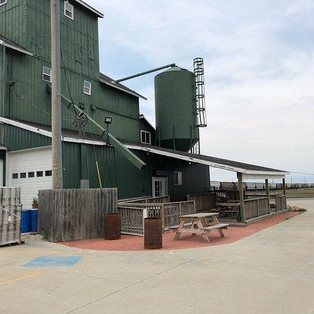 Leesburg, Ιντιάνα: Hop Lore Brewing Company