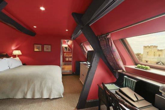 إلينبورو بارك: Guest room