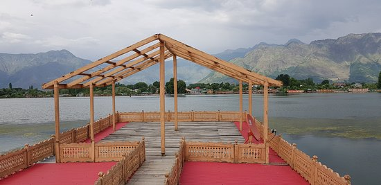 Wangnoo Sheraton Group of Houseboats: Deck at Houseboat.