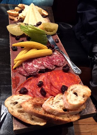 Federal Taphouse: Charcuterie board