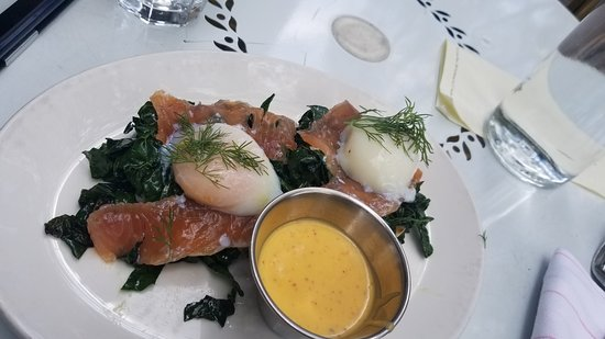 The London Plane: Salmon Eggs Benedict