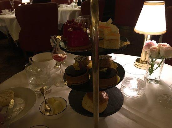 Oscar Wilde Lounge: Food
